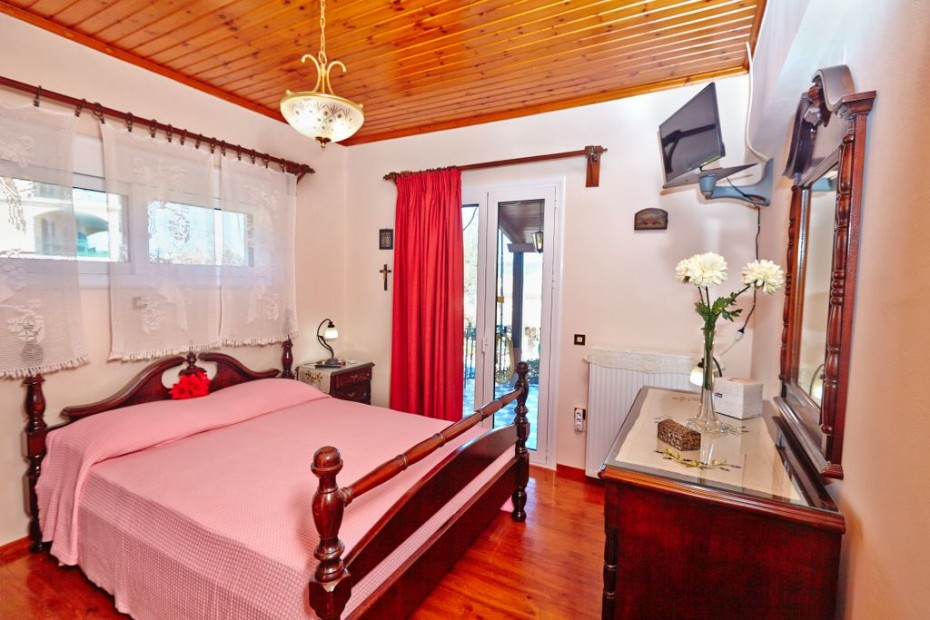 Main Bedroom with large double bed...